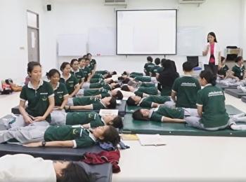 วิชาการแพทย์แผนไทยประยุกต์ วิทยาลัยสหเวชศาสตร์ สอนการนวดพื้นฐานท้อง ในวิชา หัตถเวชกรรมไทย 1